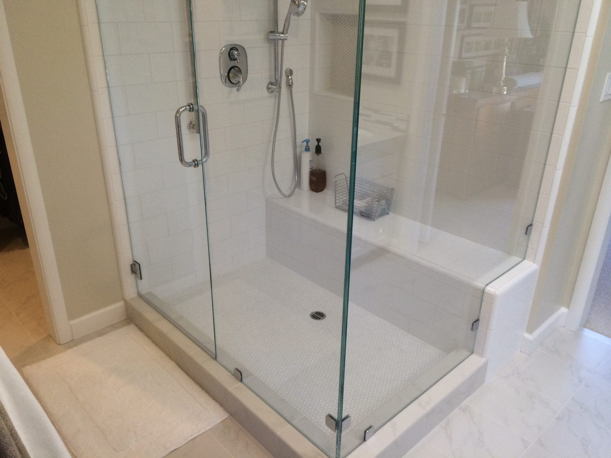 seat in shower -